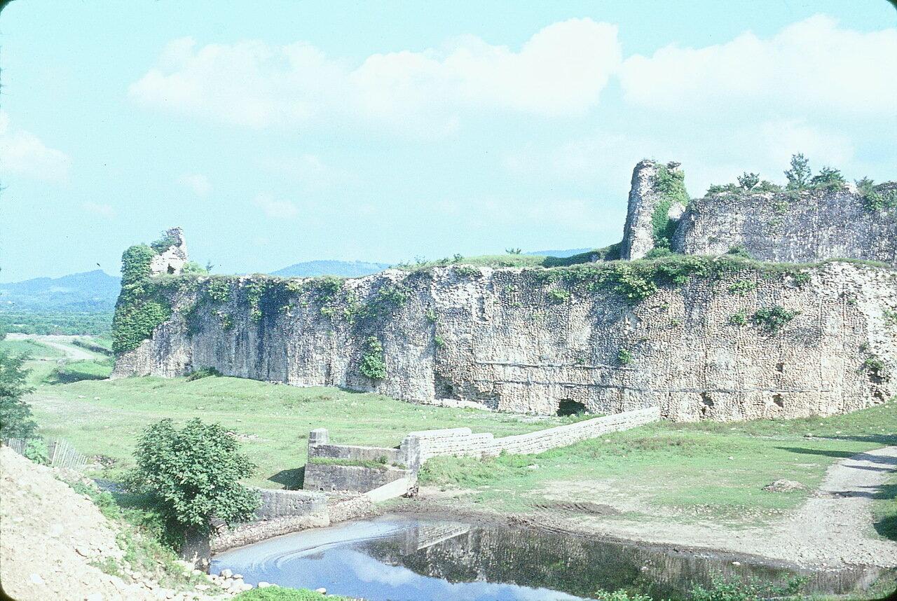 По дороге в Гори. Крепость Рухи (семнадцатого века)