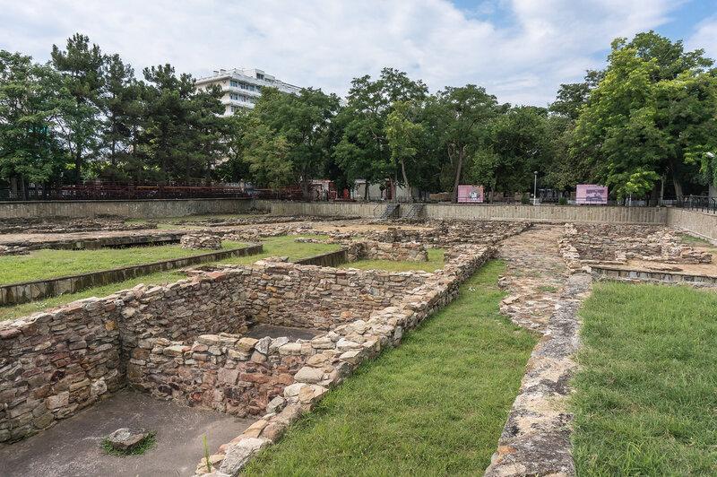 Античный город