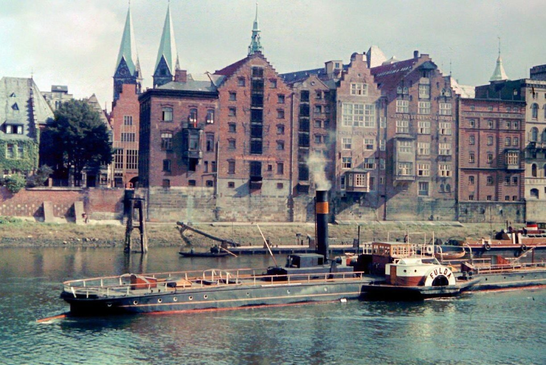 1939 Bremen by Friedrich Sorger.jpg