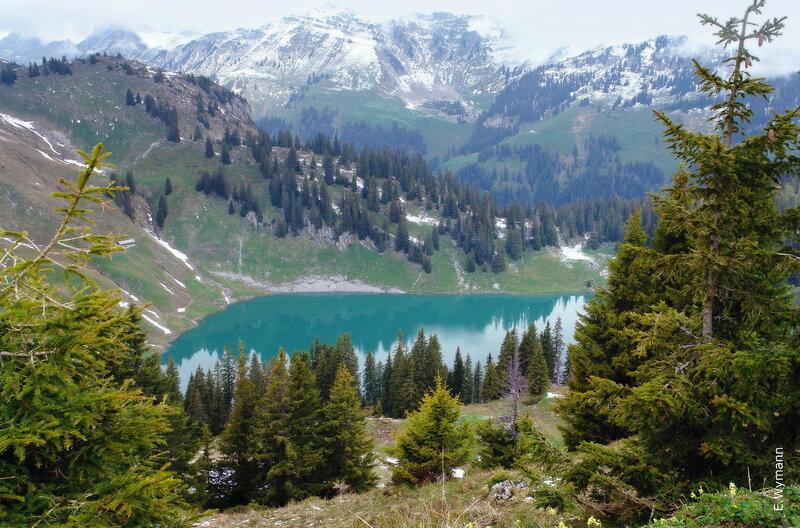 колдовское озеро ... так к себе манит