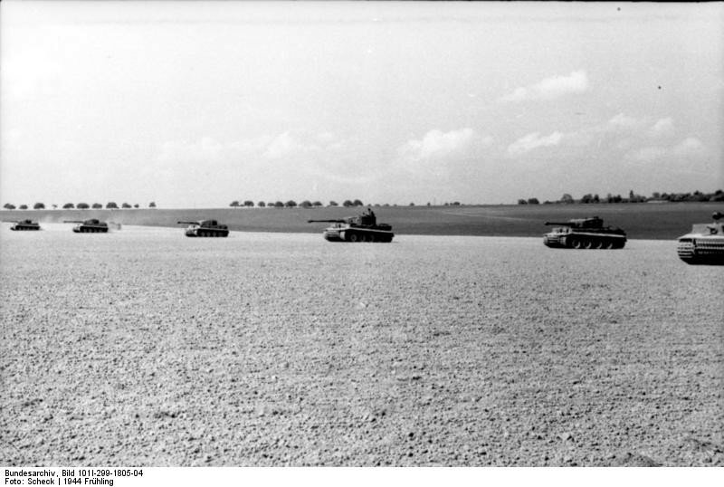 Nordfrankreich, Panzer VI (Tiger) beim ЬbungsschieЯen