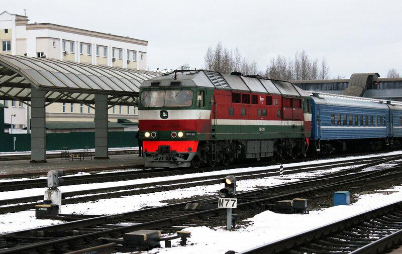 ТЭП70-0225 на станции Витебск