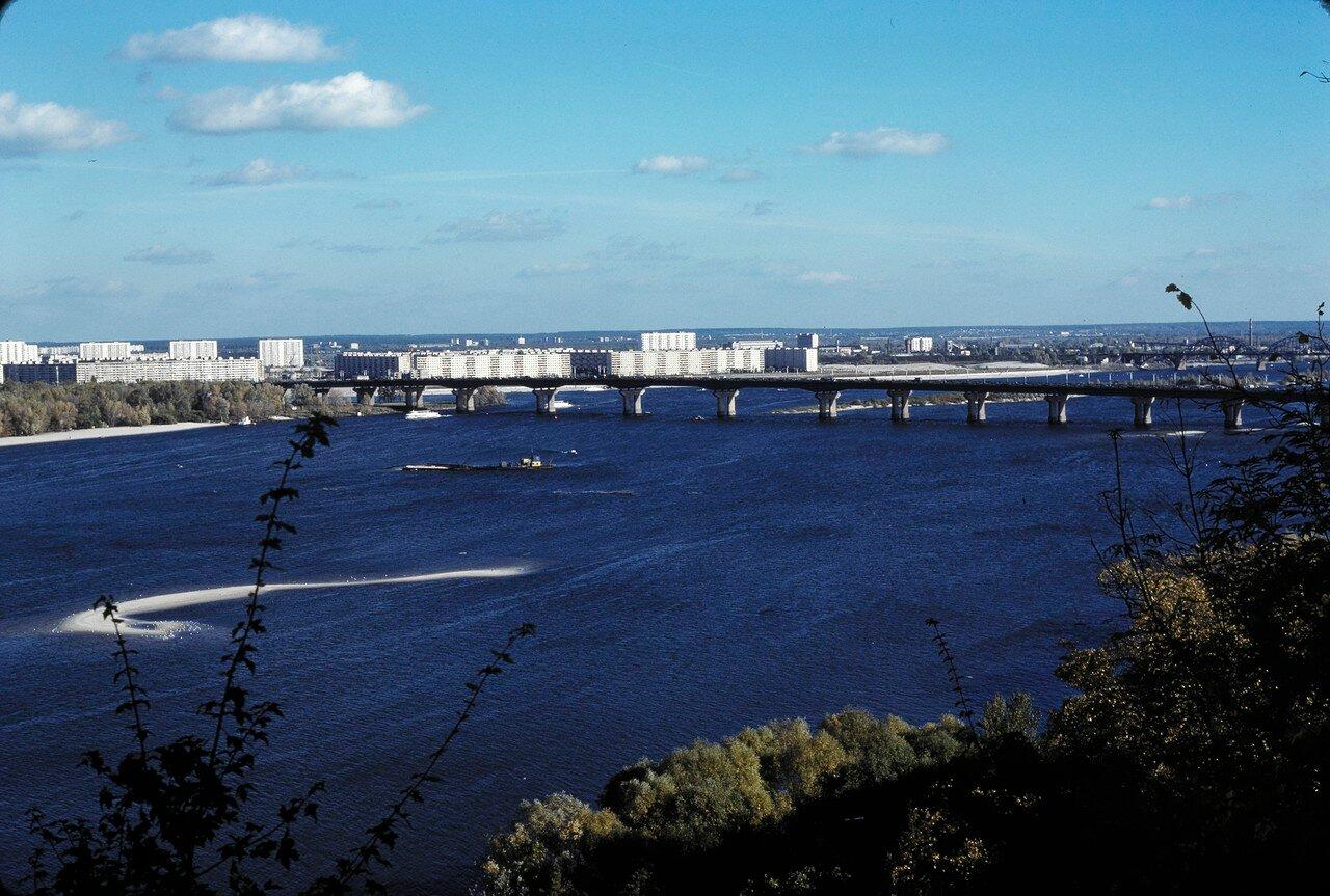 Мост системы Паттона, вид на юго-восток, новые районы на восточном берегу