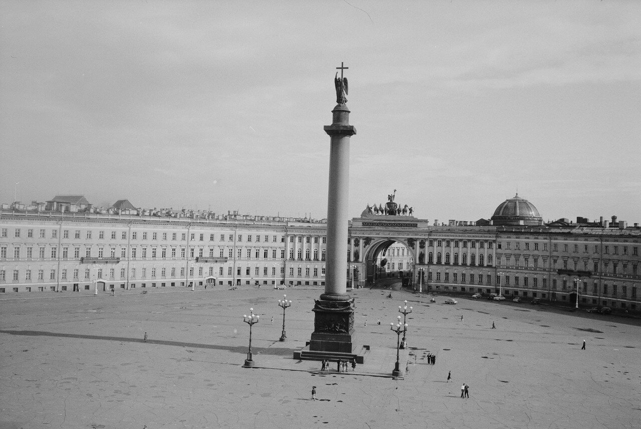 13. Дворцовая площадь