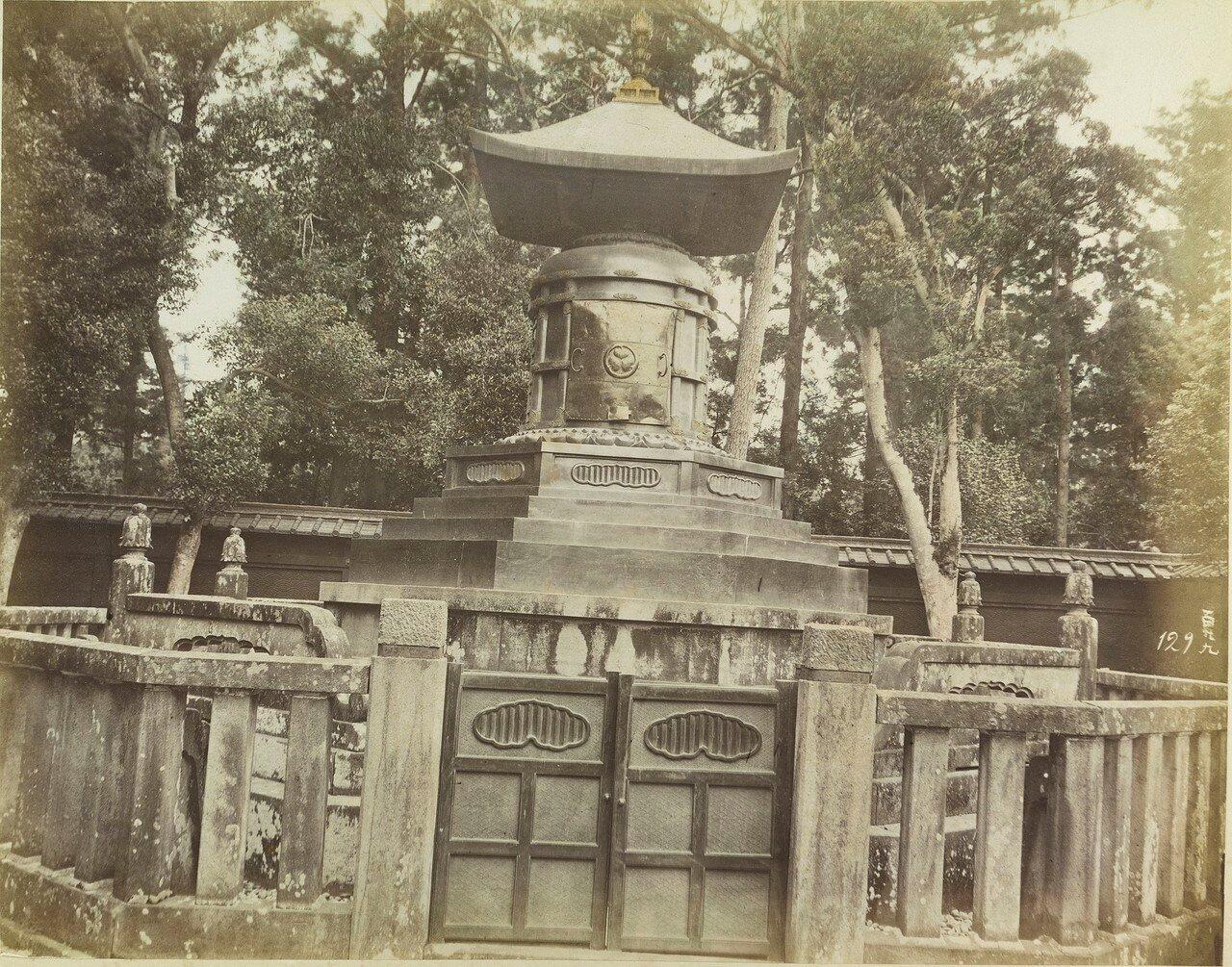 Никко.  Тосё-гу. Гробница Токугавы Иэясу