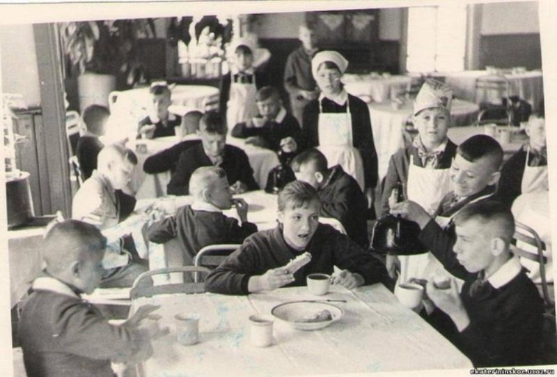 Советское школьное детство: промокашка, коржик и логарифмическая линейка