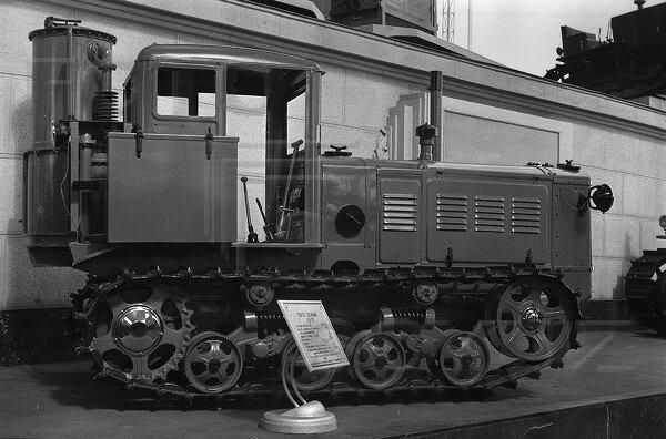 Трактор, павильон Механизация и электрификация сельского хозяйства СССР, 1939 г.