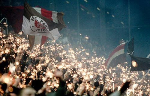 Немецкие футбольные фанаты левой идеологией