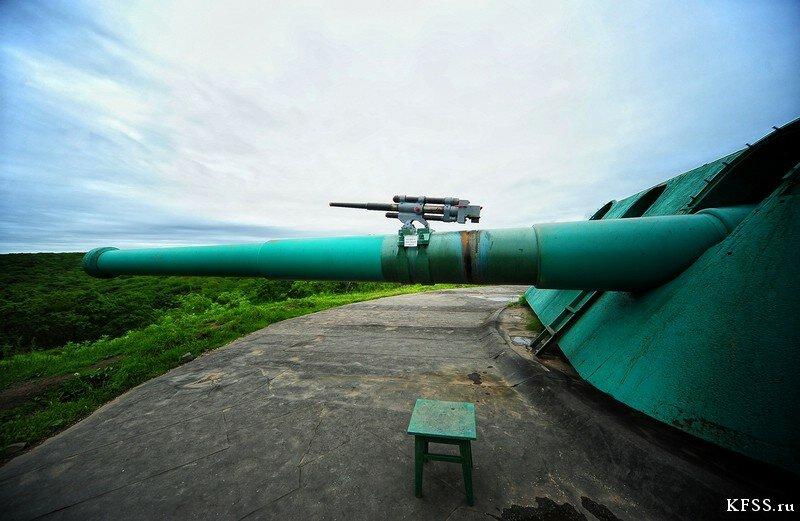 Салютная пушка для туристов на  Ворошиловской батарее (№981), остров Русский