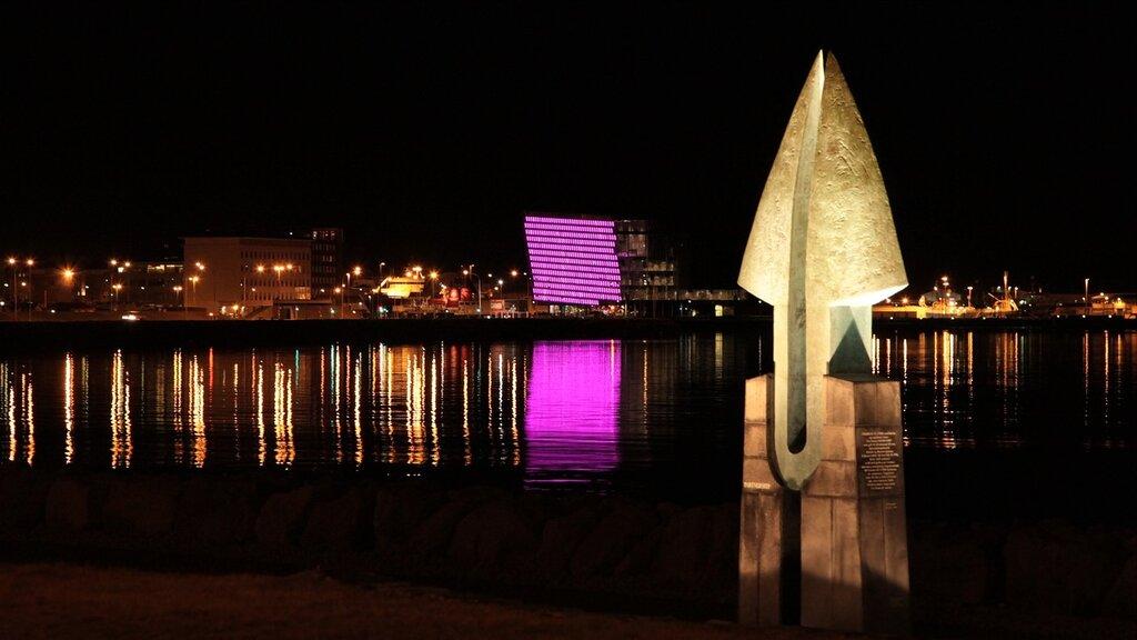 131018_9882_reykjavik_night