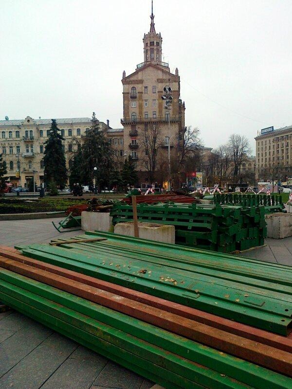 Конструкции главной елки Киева 2014 на Майдане