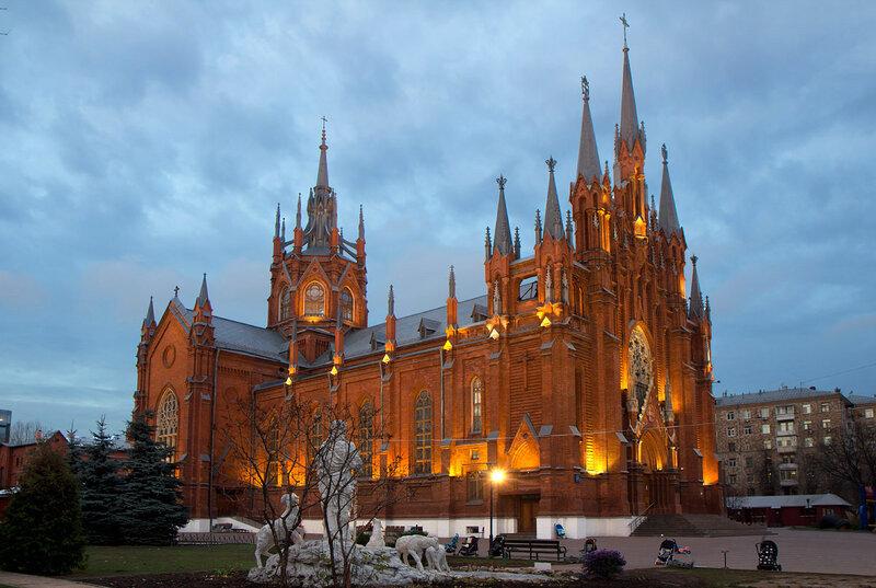 Католический собор в Москве.