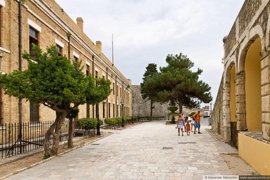 Внутренний двор Старой Крепости в Керкире