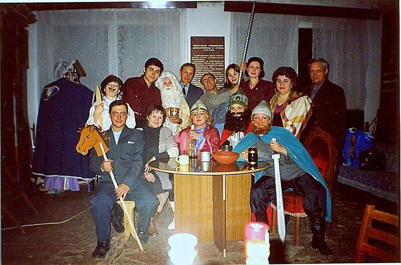 В театре, с богатырями ... В рамках театрально-творческой деятельности (14).jpg