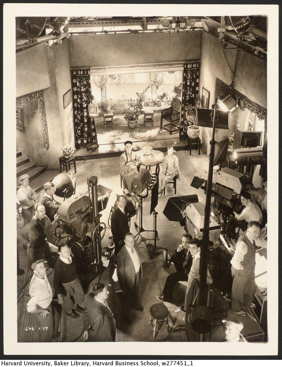 1932. Рамон Наварро на съемках «Сын-дочь»