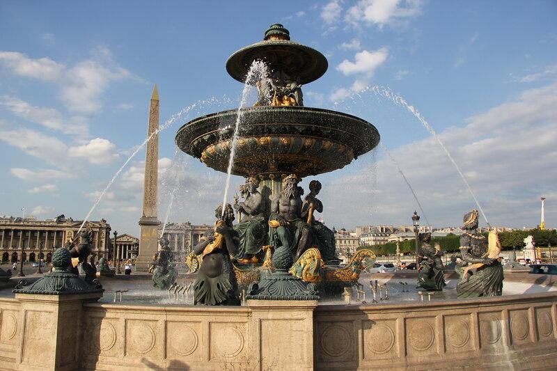 Fontaine des Mers, Place de la Concorde, Paris, France