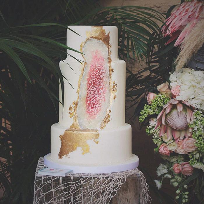 amethyst-geode-wedding-cake-trend-7.jpg