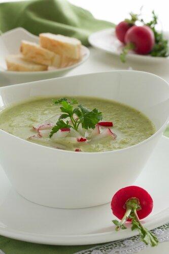 Soup of broccoli and cauliflower.