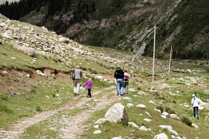 Семёновское ущелье, озеро Сют-Булак