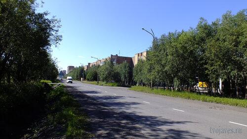 Фото города Инта №5480  Юго-восточный угол Куратова 38 (+20 градусов) 06.08.2013_12:47