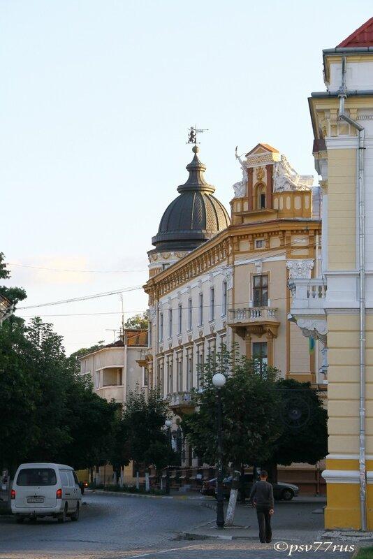 Музей народного искусства Гуцульщины и Покутья.
