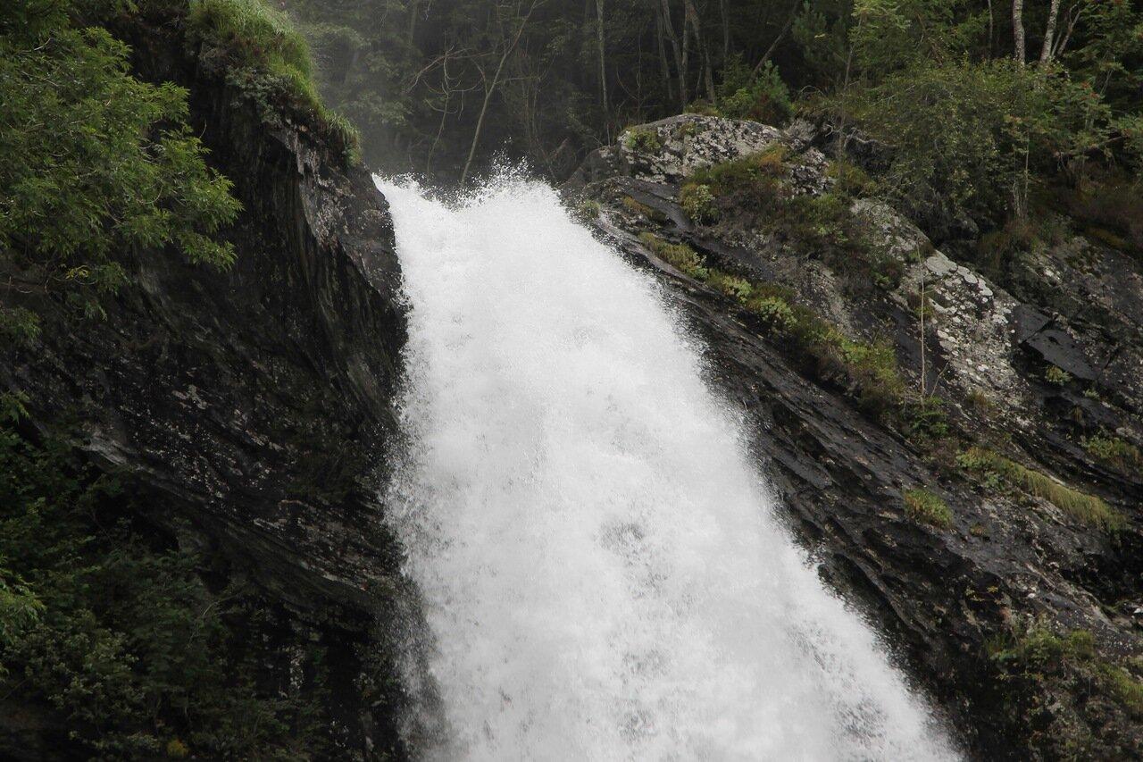 Водопад Стейндальсфоссен, Steinsdalsfossen waterfall
