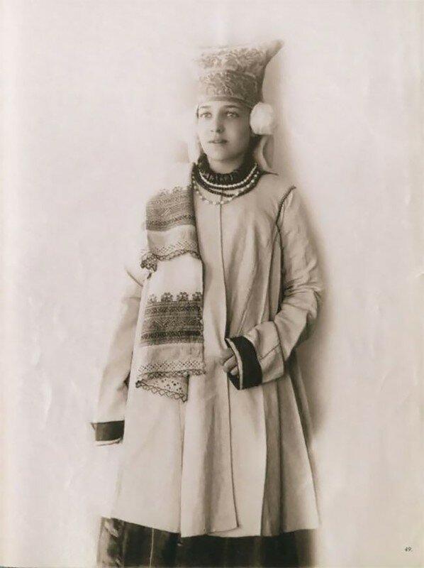 0 17a7df b7be5880 XL - Девушки в древних славянских костюмах на старинных фотографиях