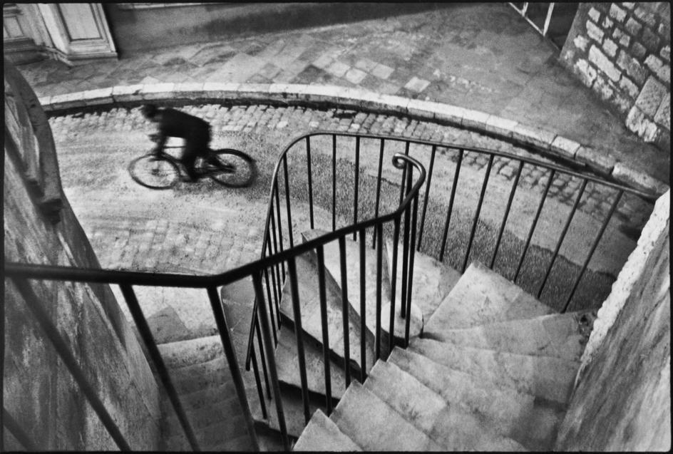 henri-cartier-bresson-france-the-var-department-hyeres-1932.jpg
