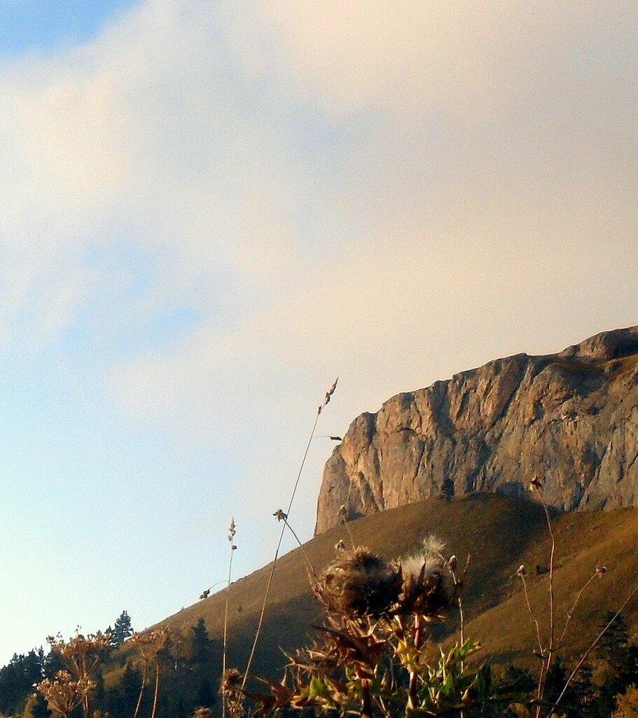 В горах, Тхач