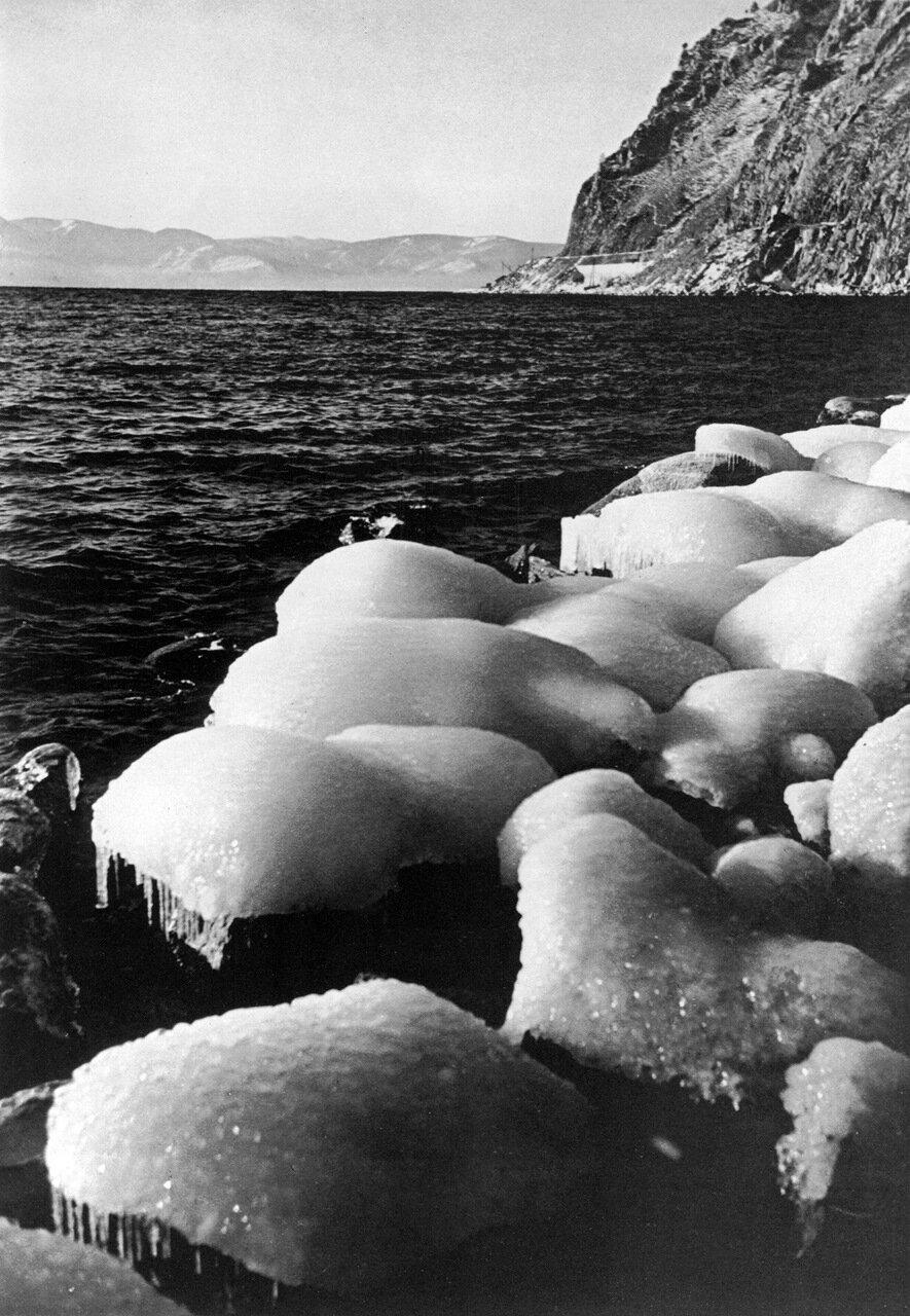 1940. Весна на Байкале.