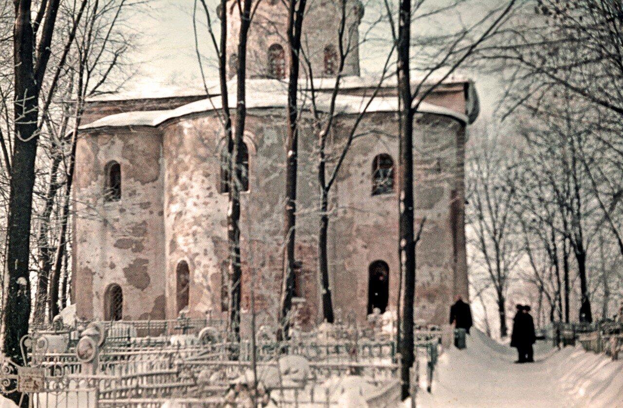 Петр и Павел на Синичьей зимой.
