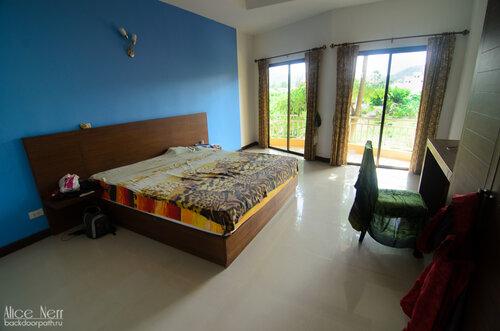 Спальня-гостиная с французскими окнами!