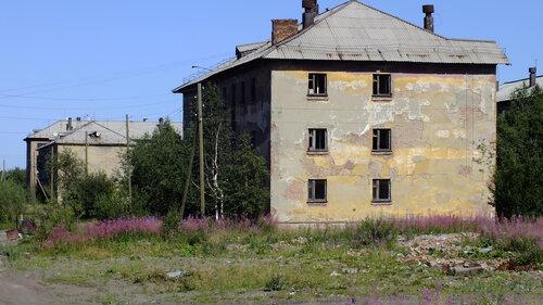 Фото города Инта №5507  Спортивная 87 и 81 06.08.2013_13:28