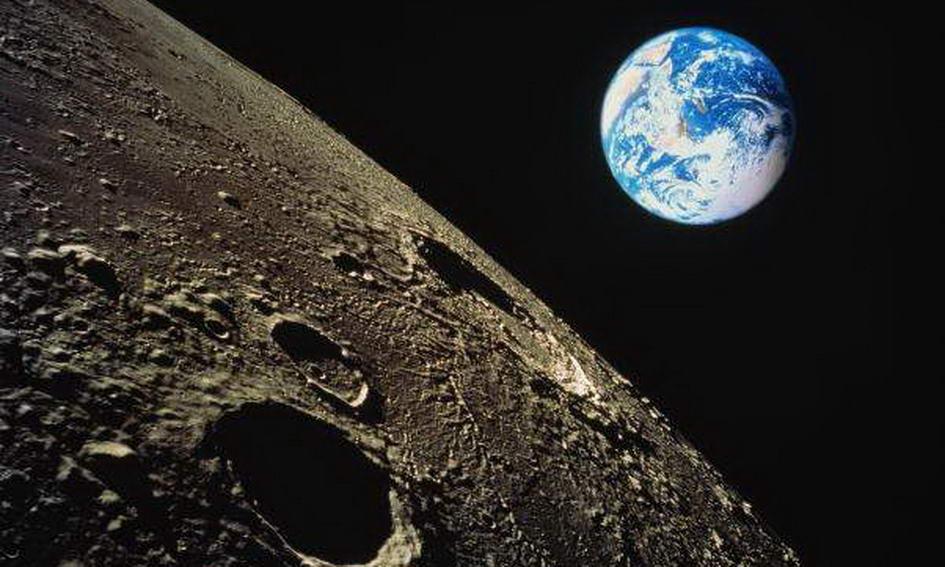 Российские ученые вода на Луне накопилась благодаря астероидам