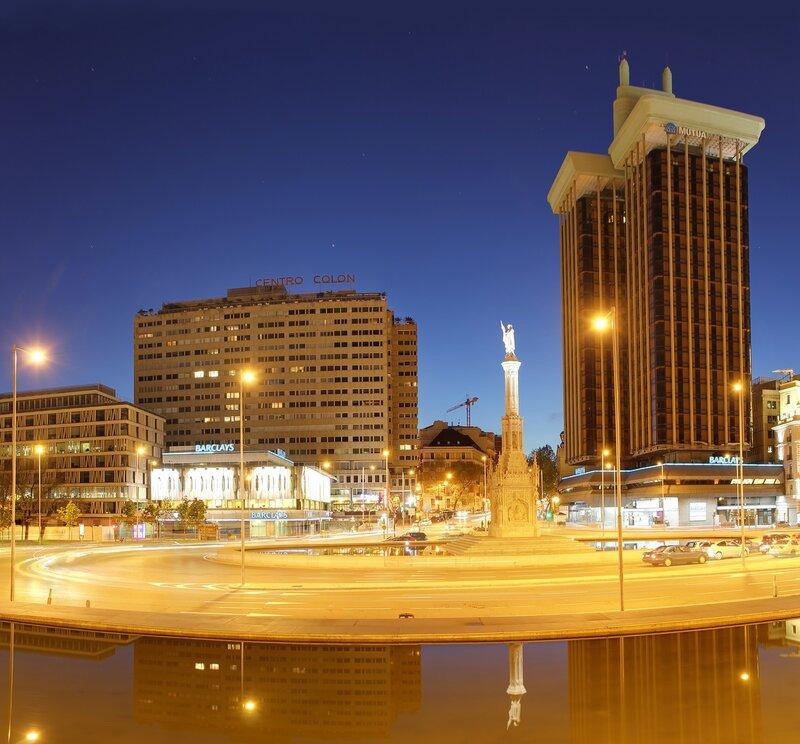 Ночной Мадрид. Площадь Колумба (Plaza de Colón)