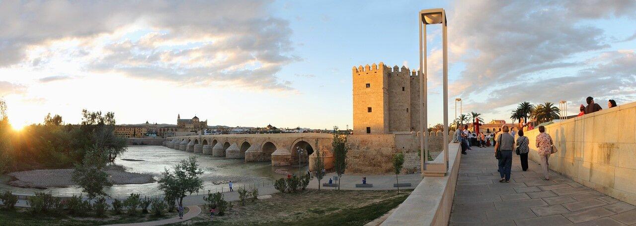 Cordoba. Puento Romano and Torre de la Calahorra