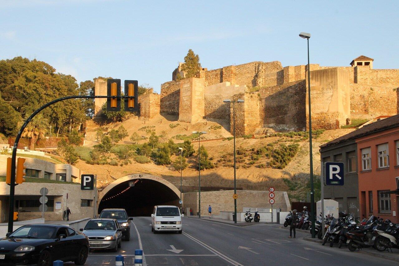 Малага. Туннель Алькасаба