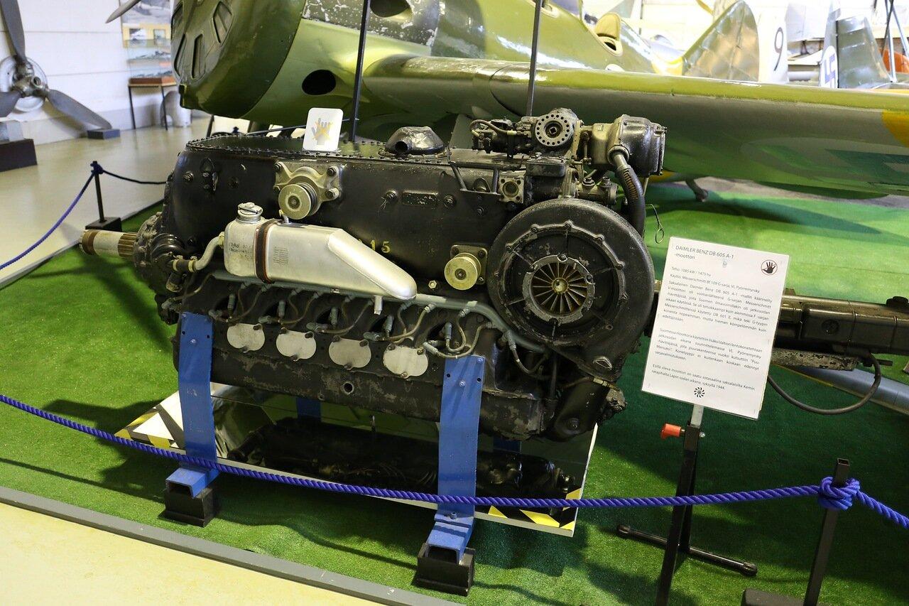 Авиамузей Хельсинки-Вантаа. Двигатель Me BF109 Daimler_Benz_DB_605A