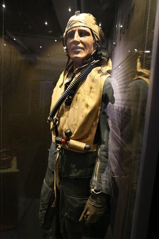 Авиамузей Хельсинки-Вантаа. Экипировка пилота финских ВВС периода 2 мировой войны