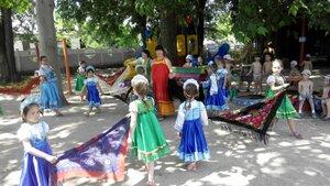 На детской площадке детского сада 14 июля  прошёл праздник русского платка