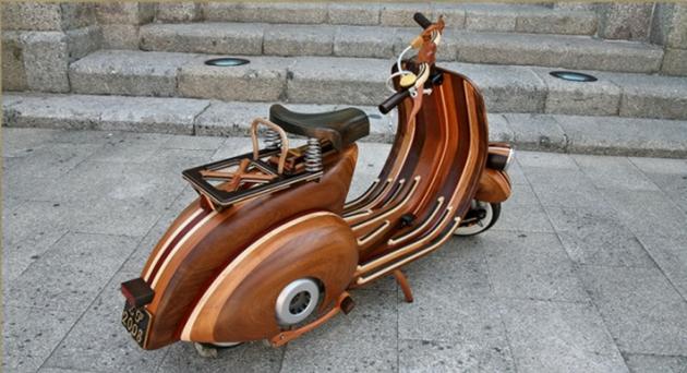 Деревянный скутер Vespa