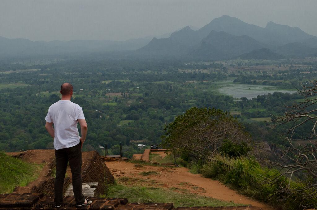 Расходы на экскурсии в Шри-Ланке. Еще одна интересная достопримечательность острова - Львиная скала (Сигирия).