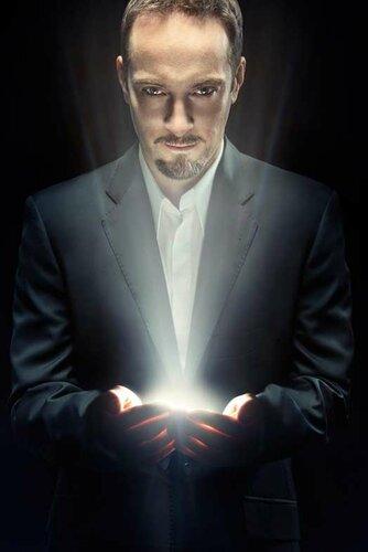 Деррен Брауну иллюзионисту, фокуснику и гипнотизеру запретили играть в казино Бирмингема