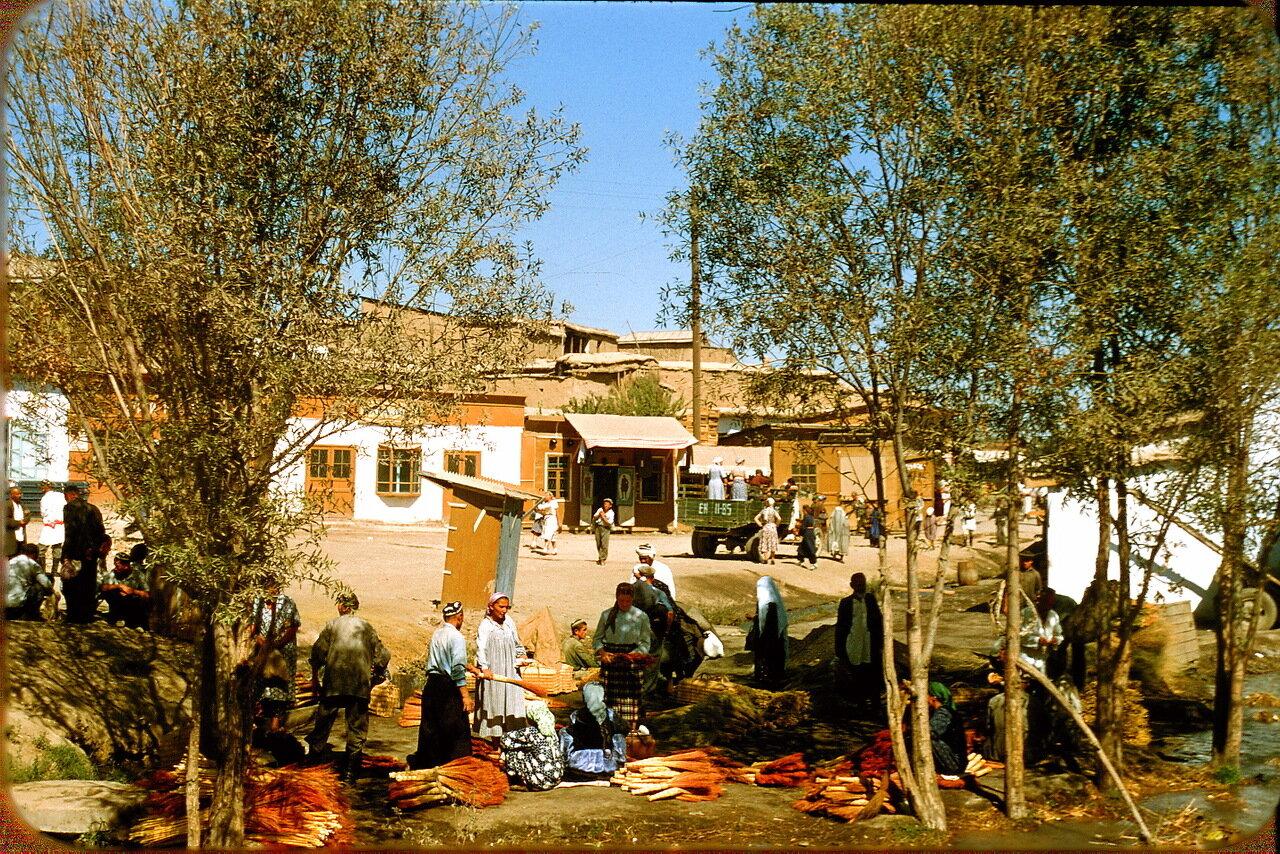 Ташкент. Окраина рынка