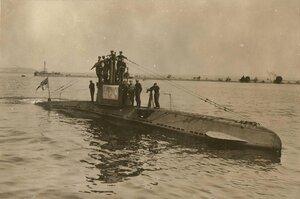 Немецкая подводная лодка UB 14 с экипажем. Черное море.