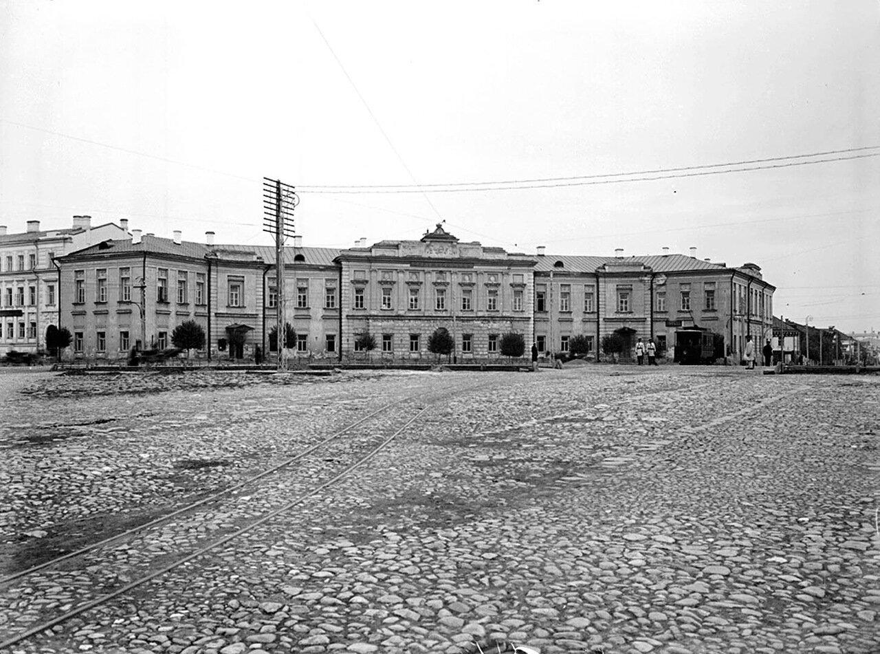 Общий вид Судебной площади. 1903 г.