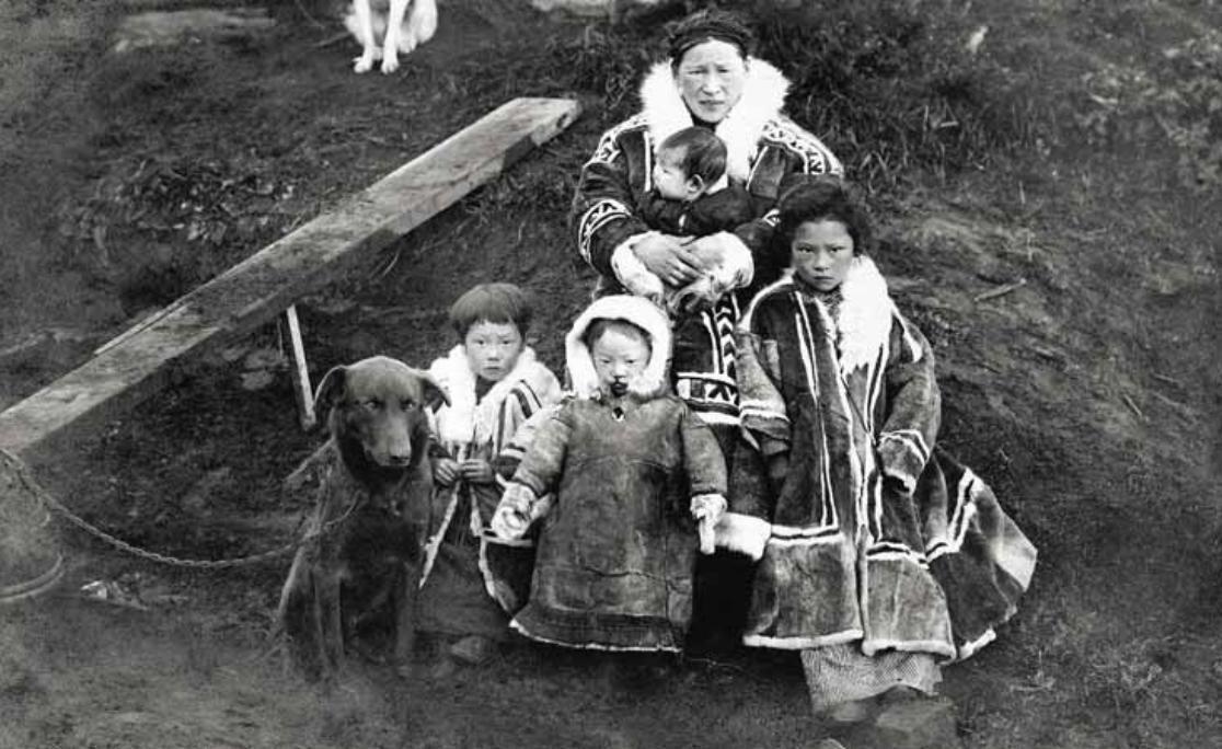 Самоедская семья,НЗ,1914 г.
