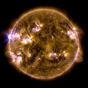 Мощная вспышка на Солнце — ожидаются магнитные бури