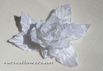 Гардения из ткани. Свадебное украшение.