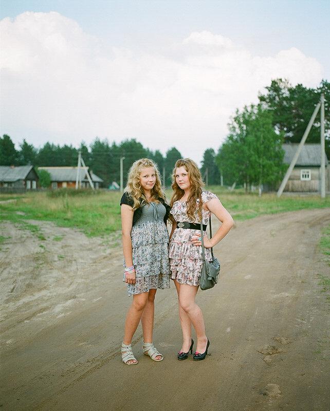 наивные деревенские девушки фото